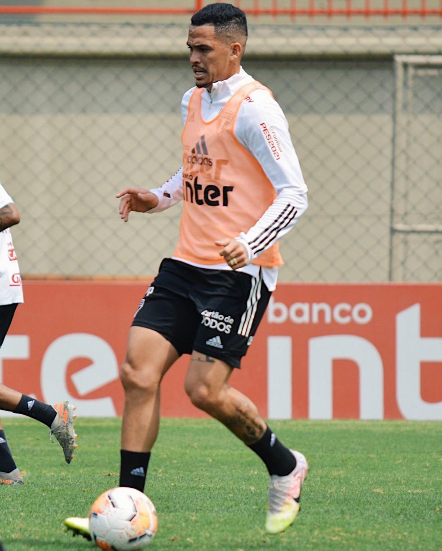 Luciano está suspenso na Libertadores e desfalca o São Paulo — Foto: Erico Leonan / saopaulofc.net