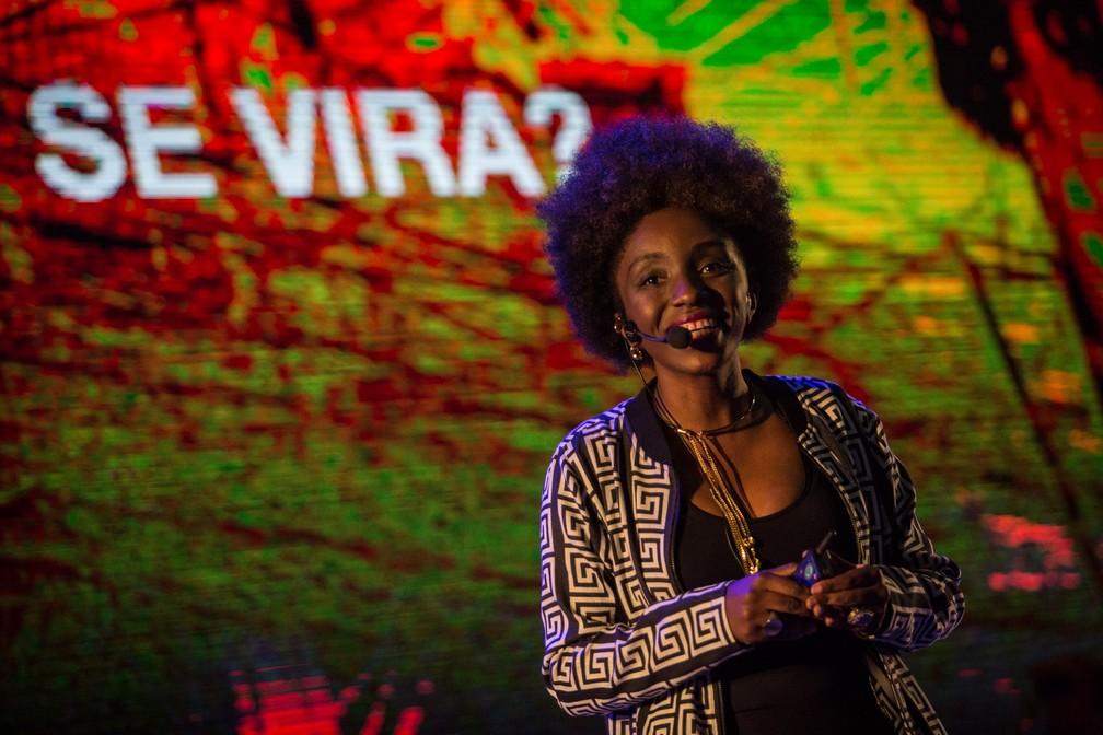 A executiva de TI Nina Silva fala a campuseiros em palestra nesta quinta-feira (14) na Campus Party 2019 — Foto: Fábio Tito/G1