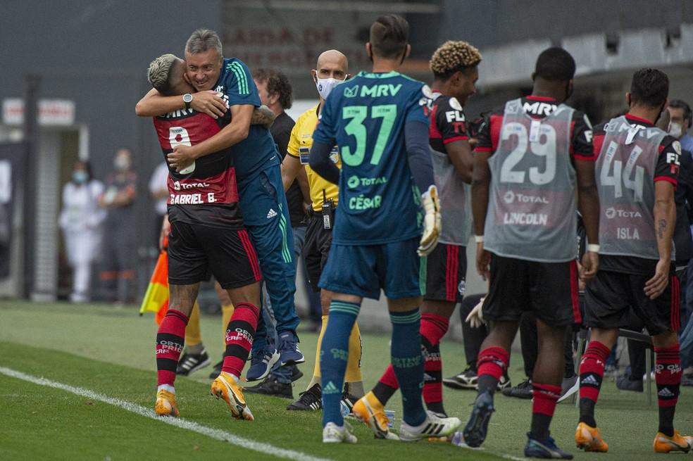 Flamengo ainda carece de consistência para ir além de respiros na tabela