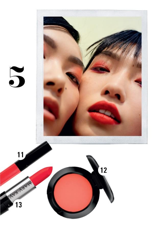 11. Rouge Coco Lip Blush cor Rouge Captivant, R$ 180, Chanel; 12. Sombra cor Rudy, R$ 79, MAC; e 13. Batom gel semi mate R$ 40, Mary Kay (Foto: CONDÉ NAST ARCHIVE)