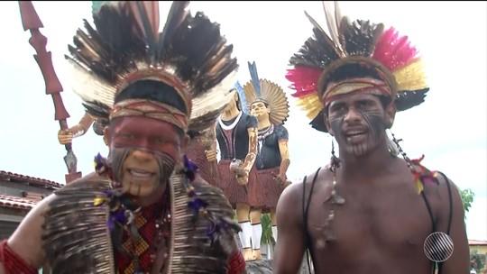 Conheça o artesanato dos indígenas que vivem em Santa Cruz Cabrália