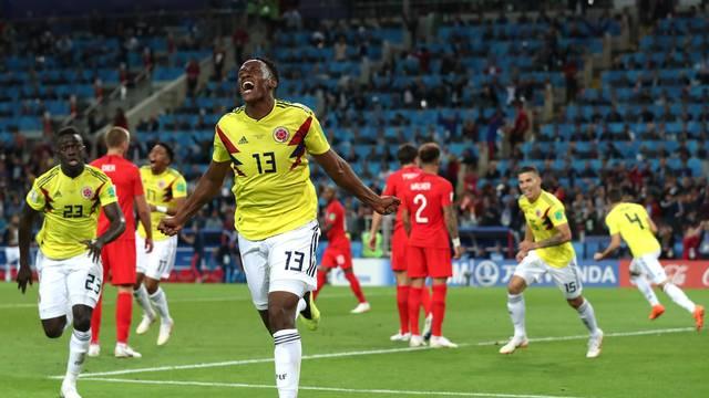 Mina comemora o gol de empate da Colômbia contra a Inglaterra