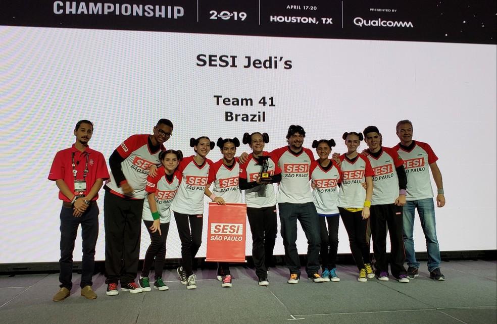 Equipe Jedi's, de Jundiaí (SP), 2º lugar no Prêmio Estratégia e Inovação — Foto: Aerton Guimarães/CNI