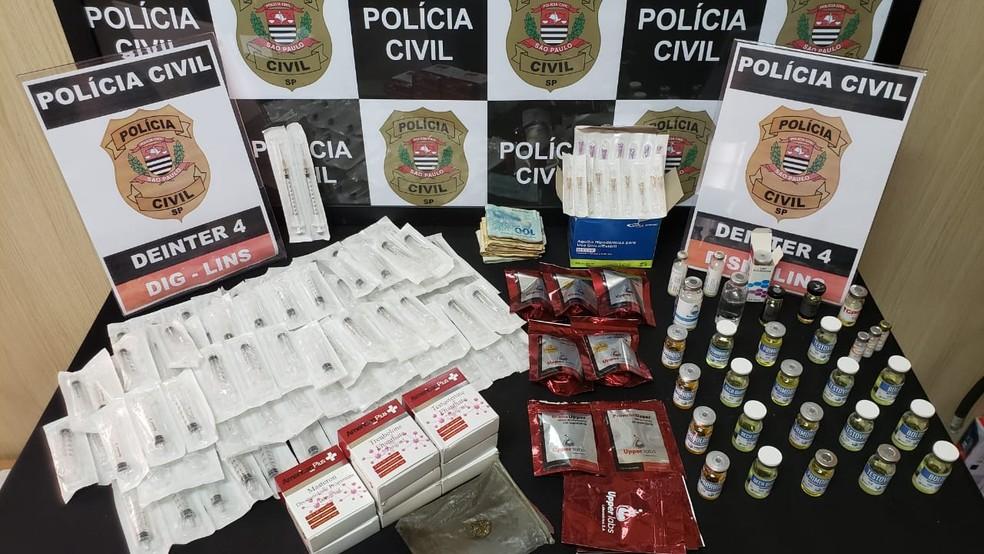 Jovem de 26 anos, morador de Lins (SP), é preso por depósito e comércio ilegal de fármacos e anabolizantes — Foto: Polícia Civil/ Divulgação