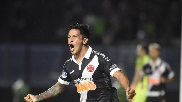 Germán Cano vibra ao marcar o gol do Vasco