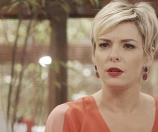 Regiane Alves é Mariacarla em 'O tempo não para'  | Reprodução