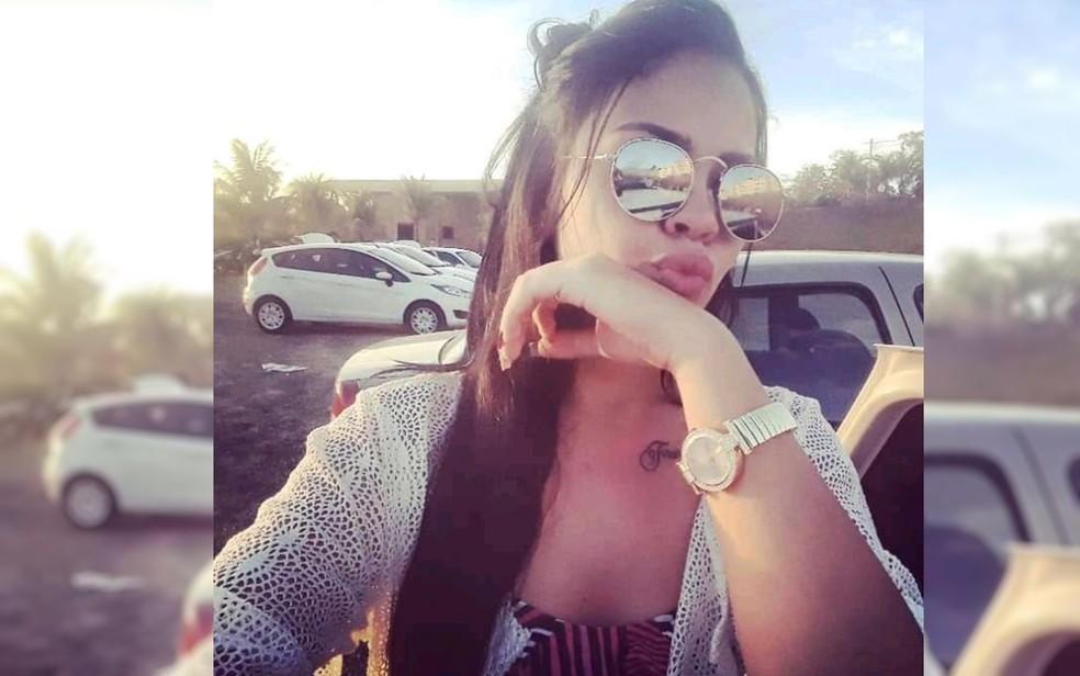 Larissa Rayane de Souza, de 19 anos, morta a tiros na fronteira com o Paraguai — Foto: Reprodução/TV Anhanguera