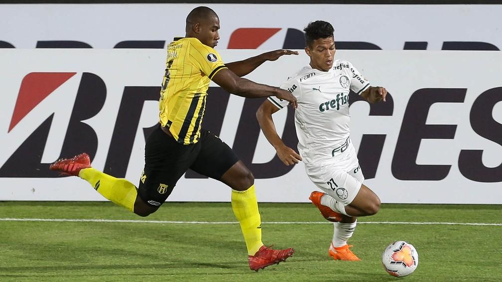 Aposta na velocidade de Gabriel Veron não deu certo diante do Guaraní, em Assunção — Foto: Cesar Greco/Ag. Palmeiras