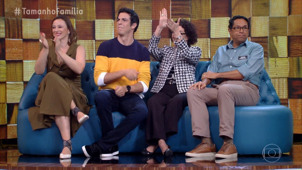 Marcio Garcia apresenta as famílias de Mateus Solano e Marcelo Adnet