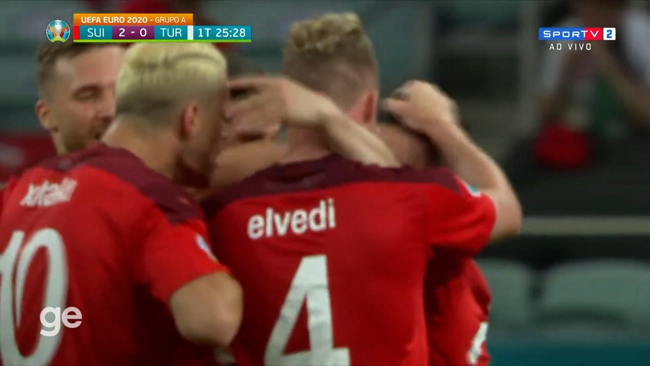 Shaqiri acerta um lindo chute de fora da área para a Suíça contra a Turquia