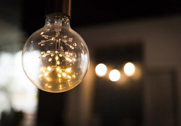 Lâmpada ; conta de luz ; energia ; consumo de energia ;  (Foto: Pixabay)