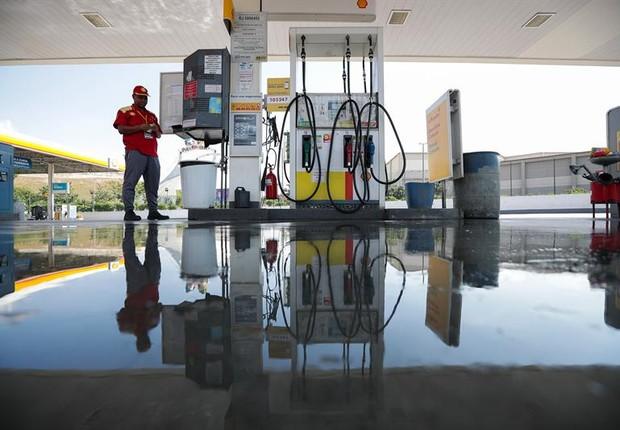 Posto de gasolina vazio no Rio de Janeiro - gasolina - diesel - combustível - estrada -  (Foto: EFE/Antonio Lacerda)