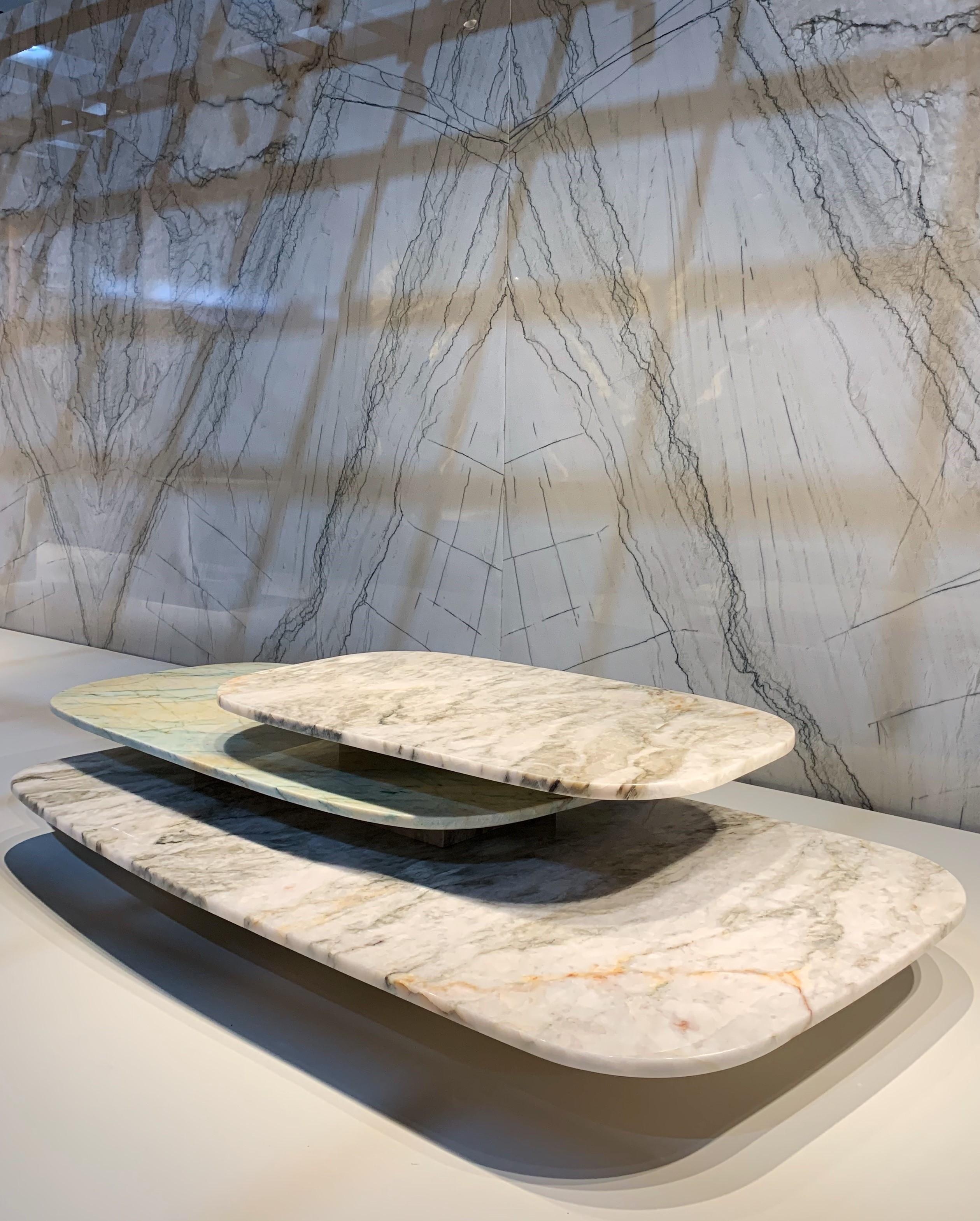 Mostra apresenta peças de design feitas com pedras naturais brasileiras