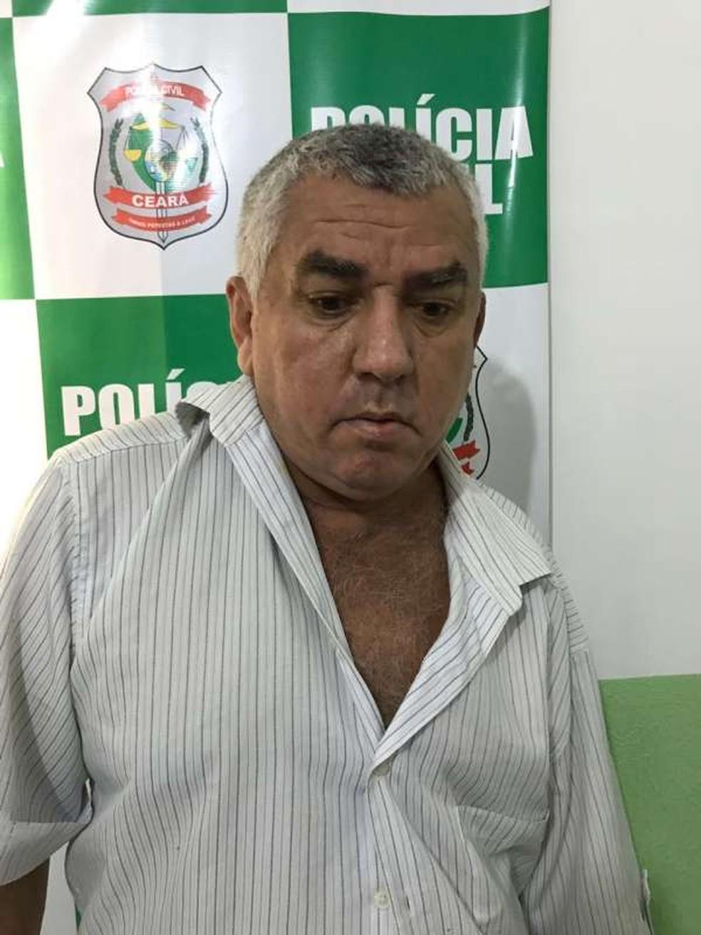 Cícero Vieira Barbosa foi preso na cidade de Brejo Santo devido um mandado de prisão em aberto por um homicídio cometido no sertão pernambucano. — Foto: SSPDS
