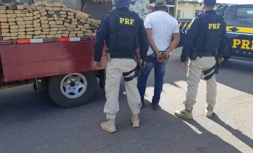 Quase 200kg foram apreendidos pela PRF na Bahia — Foto: Divulgação/PRF
