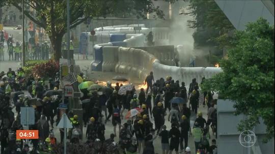 Manifestantes participam de mais um protesto violento em Hong Kong