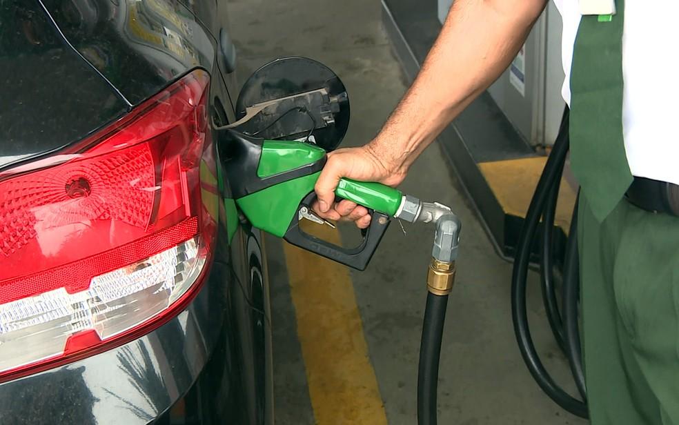 Preço médio da gasolina no Ceará cai R$ 0,22 desde junho, diz ANP (Foto: Reprodução/EPTV)
