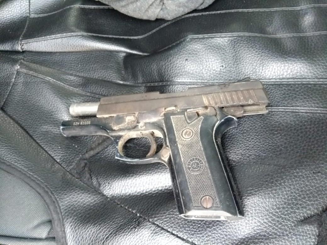 Homem é preso após tentar vender arma de fogo roubada de policial militar em Belém
