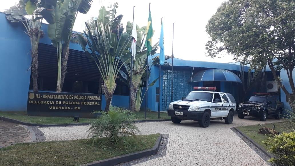Polícia Federal faz operação contra desvio de verbas públicas de limpeza urbana da Prefeitura de Uberaba