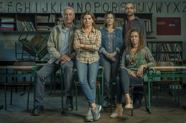 Paulo Gorgulho, Debora Bloch, Hermila Guedes, Silvio Guindane e Thalita Carauta em 'Segunda chamada' (Foto: Maurício Fidalgo/TV Globo)