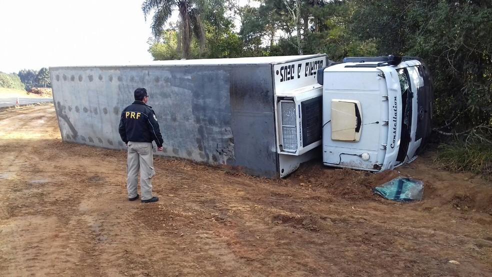 Motorista, de 62 anos, morreu (Foto: Divulgação/PRF)