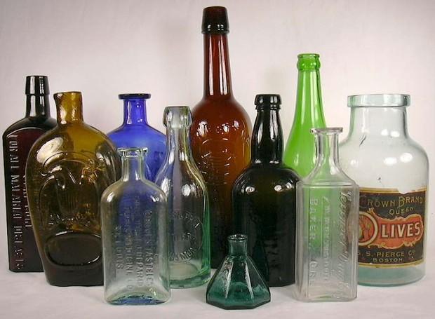 Quem inventou as garrafas não pensou o quão difícil seria lavá-las (Foto: Sha/ Reprodução)