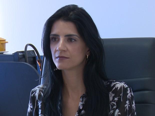 Delegada Fabiana conta como crimes eram praticados (Foto: Marco Bernardi/ G1)