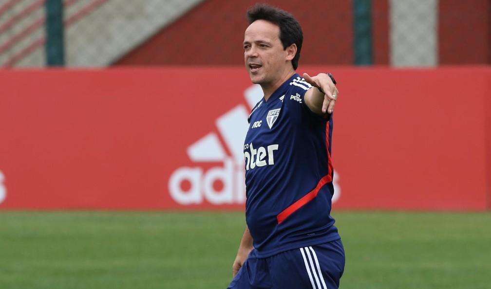 Fernando Diniz em ação pelo São Paulo — Foto: Rubens Chiri / saopaulofc.net