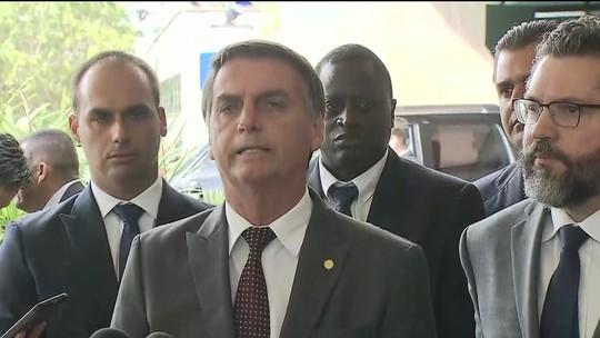 ASSISTA: Bolsonaro fala agora sobre indicado ao Itamaraty e Mais Médicos