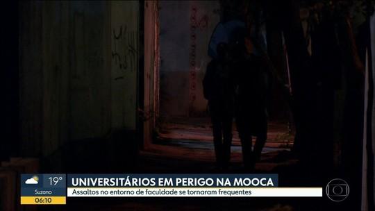 Vítimas de assaltos, universitários passam a andar em grupos em SP