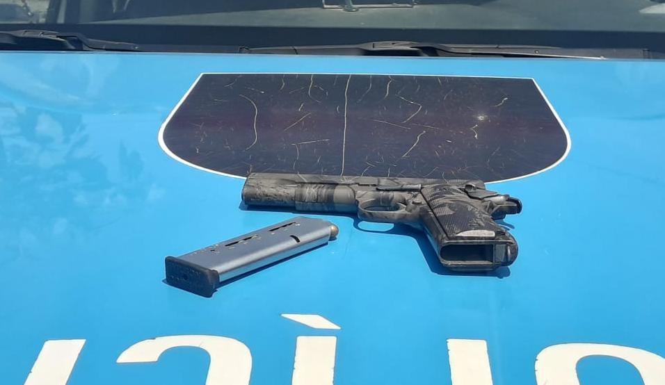 Homem é flagrado com pistola em Três Rios