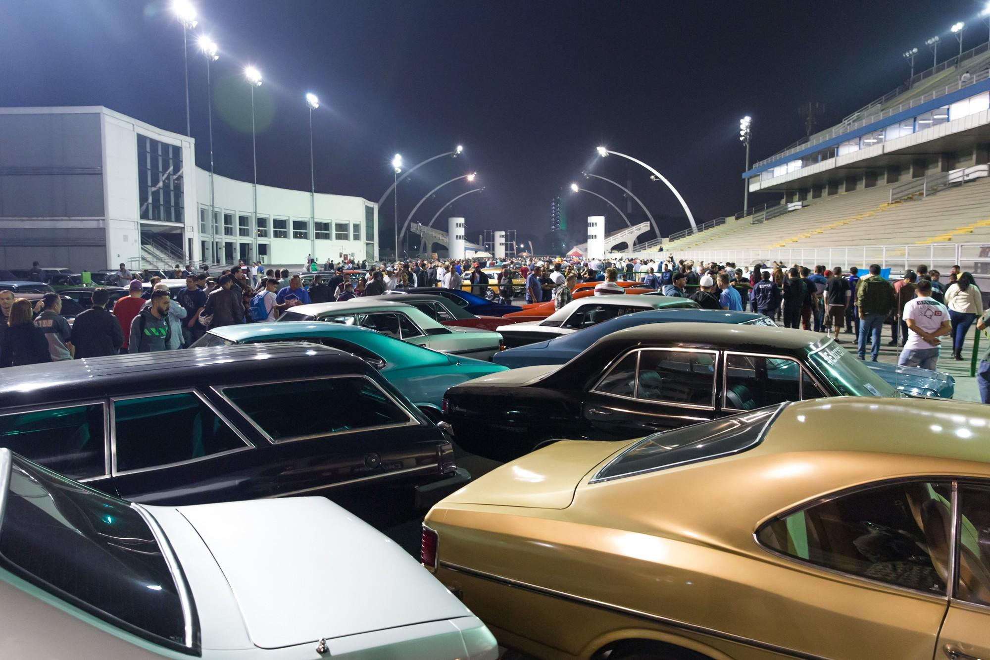 'Festa' de 50 anos do Opala reúne 700 exemplares do modelo em São Paulo