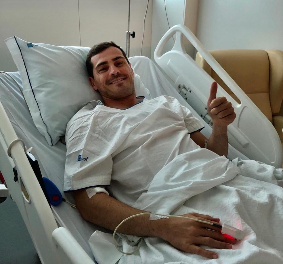 Casillas agradece do hospital o apoio recebido após sofrer um infarto — Foto: Reprodução