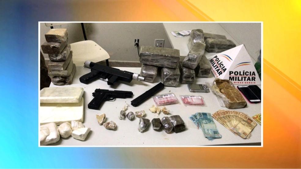 Polícia apreendeu drogas e armas (Foto: Reprodução/Inter TV)