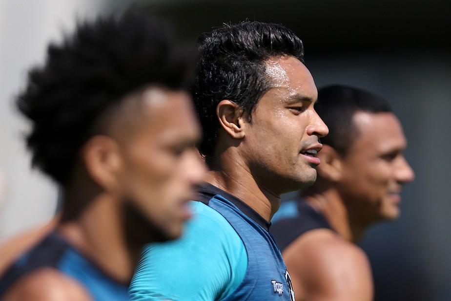 Dudu descarta corpo mole, mas lamenta indefinições no Botafogo: