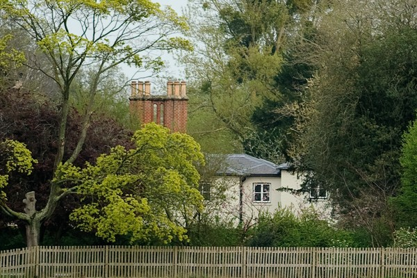 Frogmore Cottage, a mansão instalada nos terrenos do Palácio de Windsor e habitada pelo Príncipe Harry e pela atriz e duquesa Meghan Markle (Foto: Getty Images)