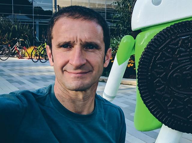 Mario Queiroz, 52 anos,  Vice-presidente, lidera grupos de  smartphones e wearables Google (Foto: Arquivo pessoal)