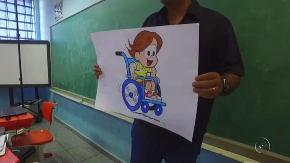 Projeto 'cadeirante do dia' propõe que alunos de Rio Preto (SP) aprendam sobre empatia (Foto: Reprodução/TV TEM)