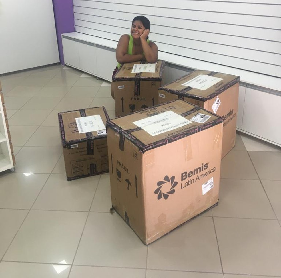 Casal esperou o comércio reabrir para inaugurar loja no Centro de Rio Branco — Foto: Arquivo pessoal