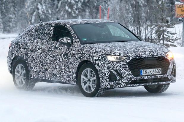 Audi Q4 terá queda do teto em formato de cupê (Foto: AutoMedia/Autoesporte)