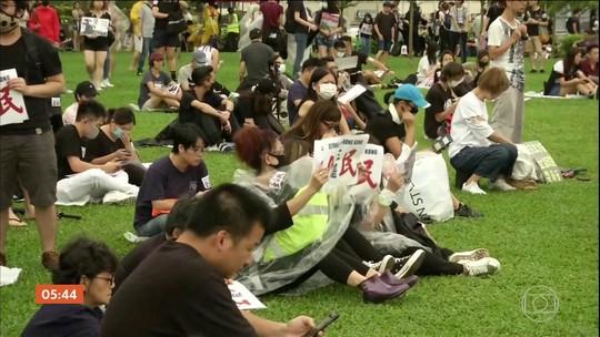 Semana que marca o novo ano escolar em Hong Kong começa agitada