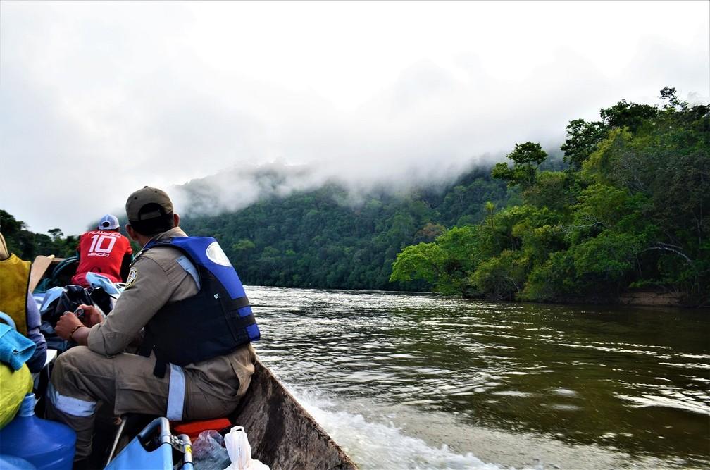 Viagem de 220 quilômetros de barco foi necessária até chegar na reserva — Foto: Rafael Aleixo/Setec