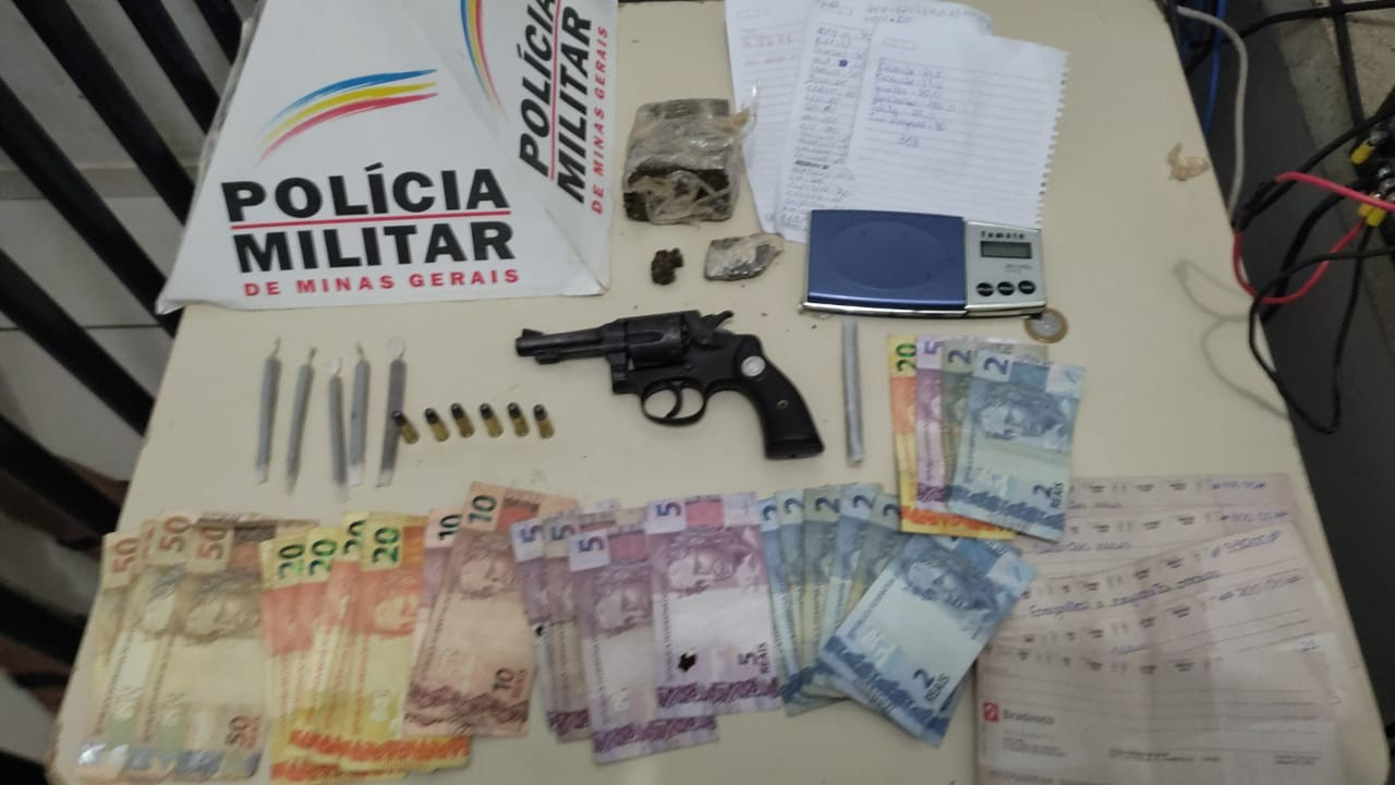 Homens são presos em Unaí após a PM receber denúncias de que drogas estavam sendo vendidas em bar