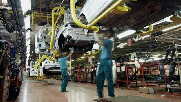 Na indústria de veículos, um oásis na indústria, contratações sobem, mas estão longe de reparar as demissões dos últimos anos (Foto: Getty Images via BBC News Brasil)