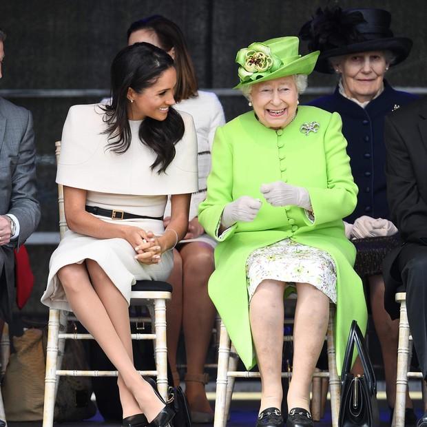 Meghan Markle e Rainha Elizabeth II (Foto: Reprodução/Instagram)