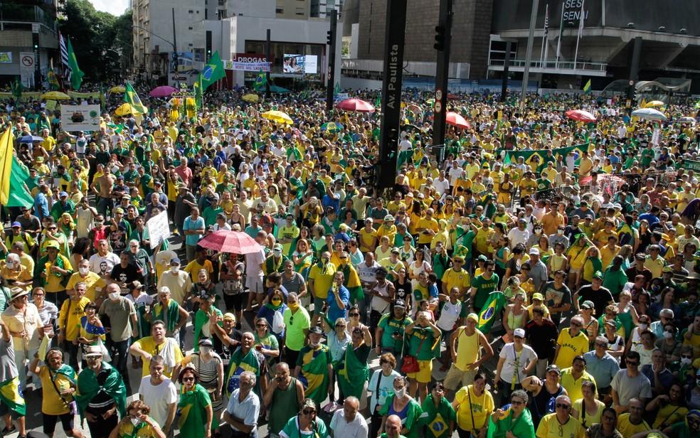 Apoiadores de Bolsonaro fazem ato na Paulista neste domingo (15) — Foto: Fábio Vieira/Fotorua/Estadão Conteúdo