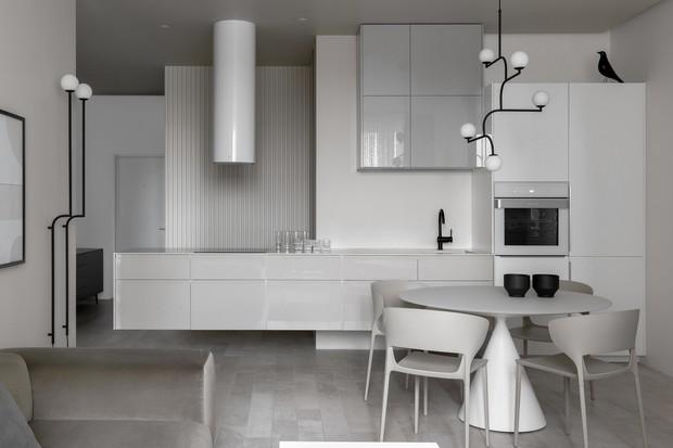 Deu branco: apartamento de 60 m² é moderninho e monocromático    (Foto: FOTOS SERGEY KRASYUK)