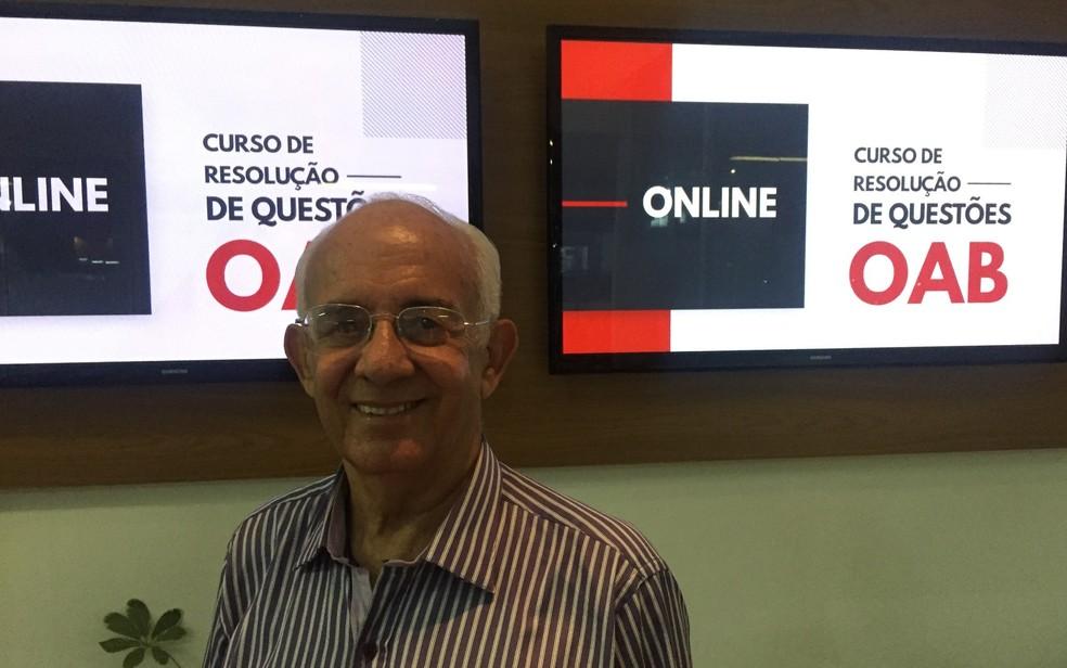 Brasil Sales se prepara para prova da OAB em escola de Goiânia — Foto: Lis Lopes/G1 GO