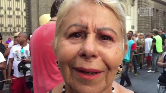 Ex-musa do Bola Preta se emociona ao falar do centenário do bloco