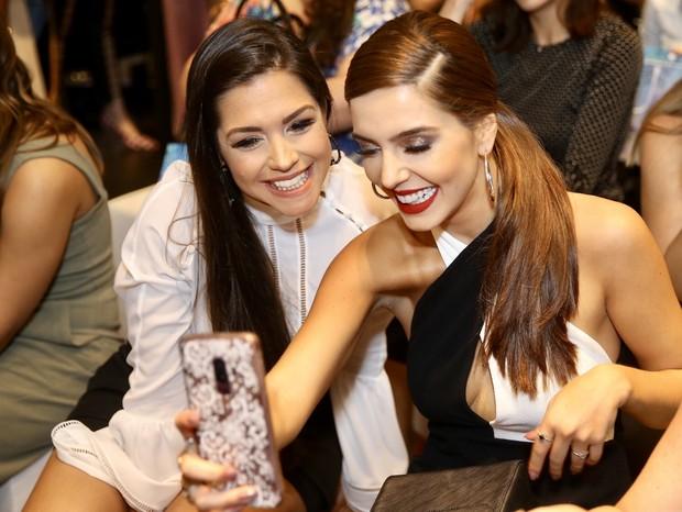 Giovanna Lancellotti e Thais Fersoza se divertem em evento em SP (Foto: Manuela Scarpa/Brazil News)